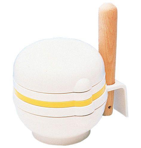 Cối và chày dùng để giã nhuyễn thức ăn cho bé