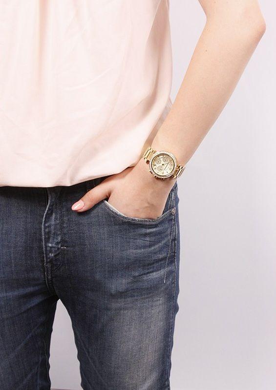 Đồng hồ MK5354 thực tế khi đeo trên tay