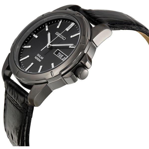 Đồng hồ Nhật Seiko Solar có vỏ, gờ bezel được làm bằng thép không gỉ mài bóng màu xám khiến cho chiếc đồng hồ càng tinh tế hơn. Đồng hồ nam Seiko Solar có mặt kính tinh thể Hardlex chống va đập chống xước hiệu quả