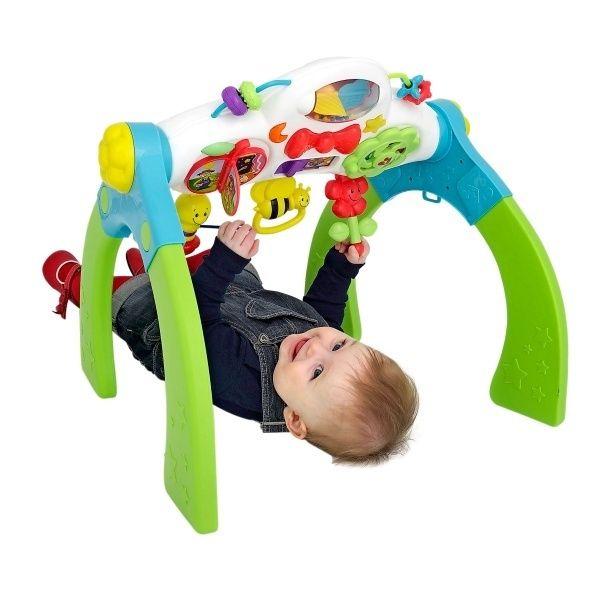 Kích thước được tính toán phù hợp với bé giúp bé có thế nằm, ngồi hay đứng chơi thoải mái