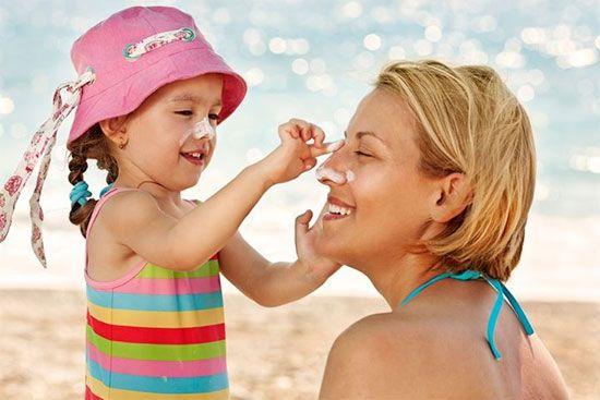 Kem chống nắng cho trẻ em giúp bảo vệ làn da mỏng manh, non nớt của bé