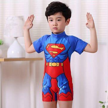 Các đường may chắc chắn và đẹp mắt giúp sản phẩm đồ bơi bé trai trở nên cao cấp hơn