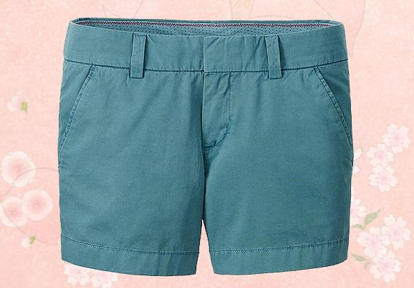 Quần short kaki nữ Uniqlo thích hợp mặc ở nhà, đi chơi, đi biển hay dạo phố.