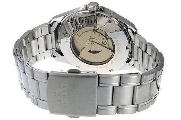 Đồng hồ Orient automatic được thiết kế lộ máy ở phía sau mặt số
