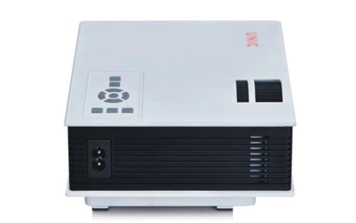 UNIC UC40 Plus là phiên bản UC40+ của dòng máy chiếu mini UC40 được trang bị thêm cổng kết nối VGA