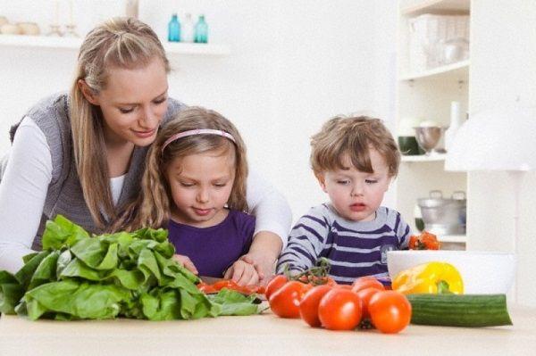 Chất liệu inox cao cấp bền và không sản sinh chất độc trong khi nấu.