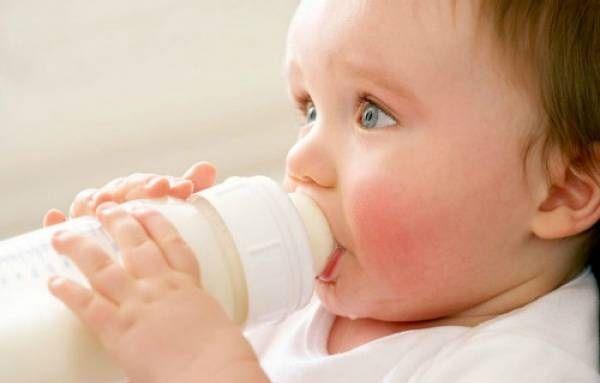 Nhờ sử dụng máy hút sữa Pigeon First Class, các bé yêu được chăm sóc hoàn toàn bằng sữa mẹ