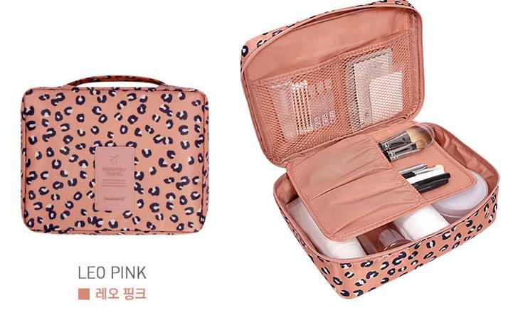 Túi đựng đồ trang điểm cá nhân Multi Grand Pouch màu cam nổi bật