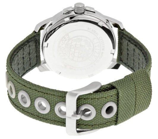 Các lỗ dây của chiếc đồng hồ Citizen nam này được bọc kim loại tránh xù khi sử dụng