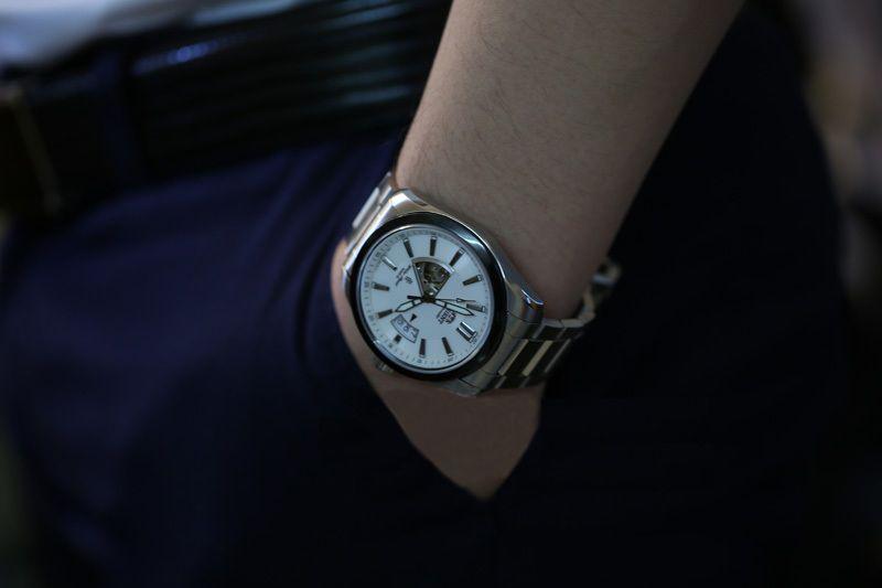 SDW05002W0 trên tay đẹp hoàn hảo