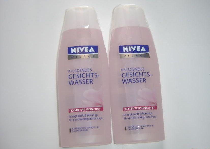 Nivea Visage màu hồng giúp se khít lỗ chân lông và cân bằng độ ẩm cho da