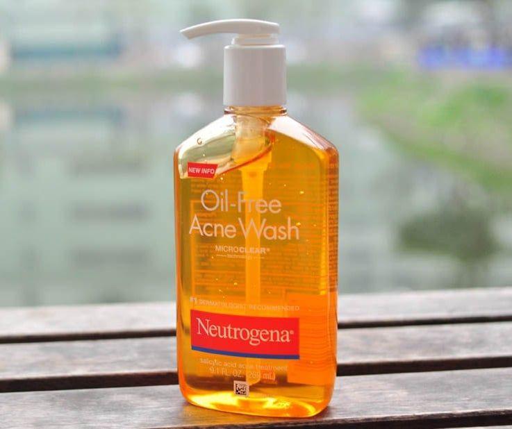 Neutrogena Oil-Free Acne Wash loại trừ - phòng chống mụn quay trở lại.