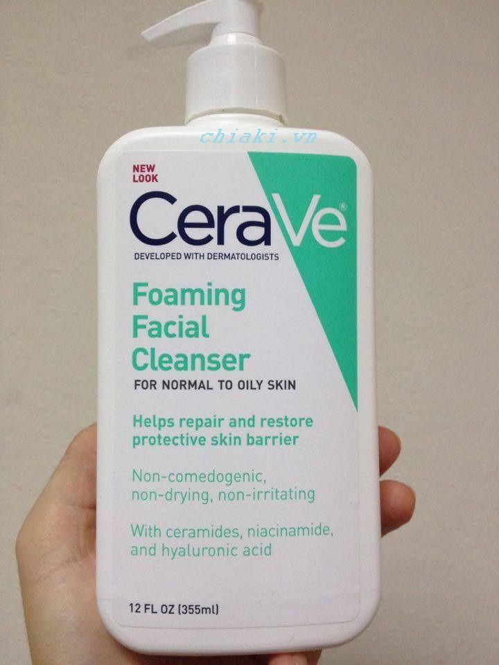 CeraVe Foaming Facial Cleanser không chứa cồn, hương liệu và các loại tinh dầu dễ gây kích ứng