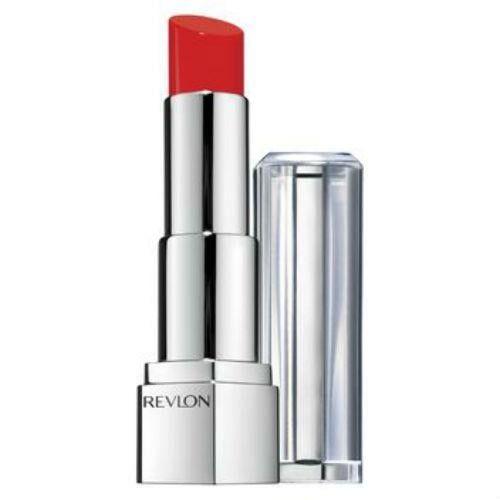 Son Revlon Ultra HD Lipstick thiết kế dạng son thỏi với công nghệ hòa sắc Ultra HD màu