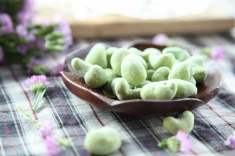 Hạt điều vị wasabi màu xanh đẹp mắt với giá trị dinh dưỡng cao