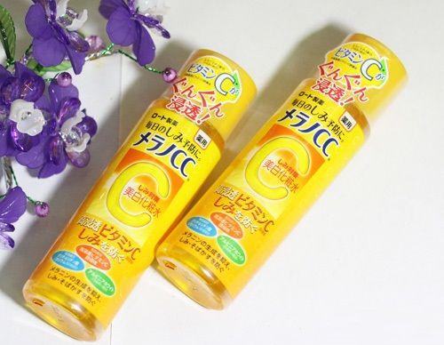 Nước hoa hồng Mentholatum Melano CC Rohto chứa dưỡng chất cùng nhiều vitamin C