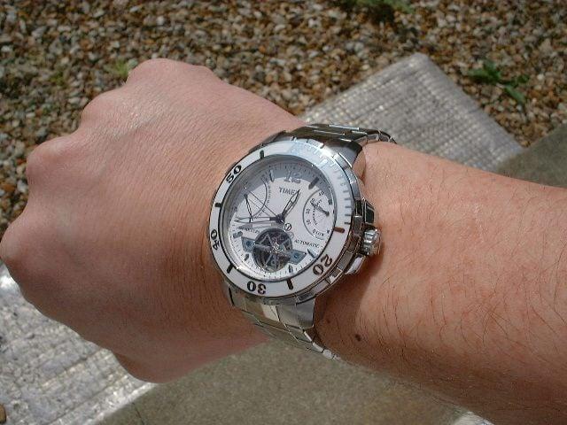 Đồng hồ Timex nam T2m517 trên tay cực chất