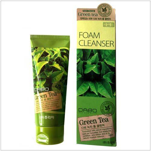 Sữa rửa mặt trà xanh Dabo Green Tea tinh chất chiết xuất từ Trà xanh tươi mát