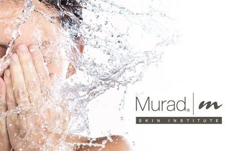 Các hạt dưỡng chất trong gel rửa mặt Murad nhẹ nhàng thấm sâu vào da, làm dịu các vết ửng đỏ