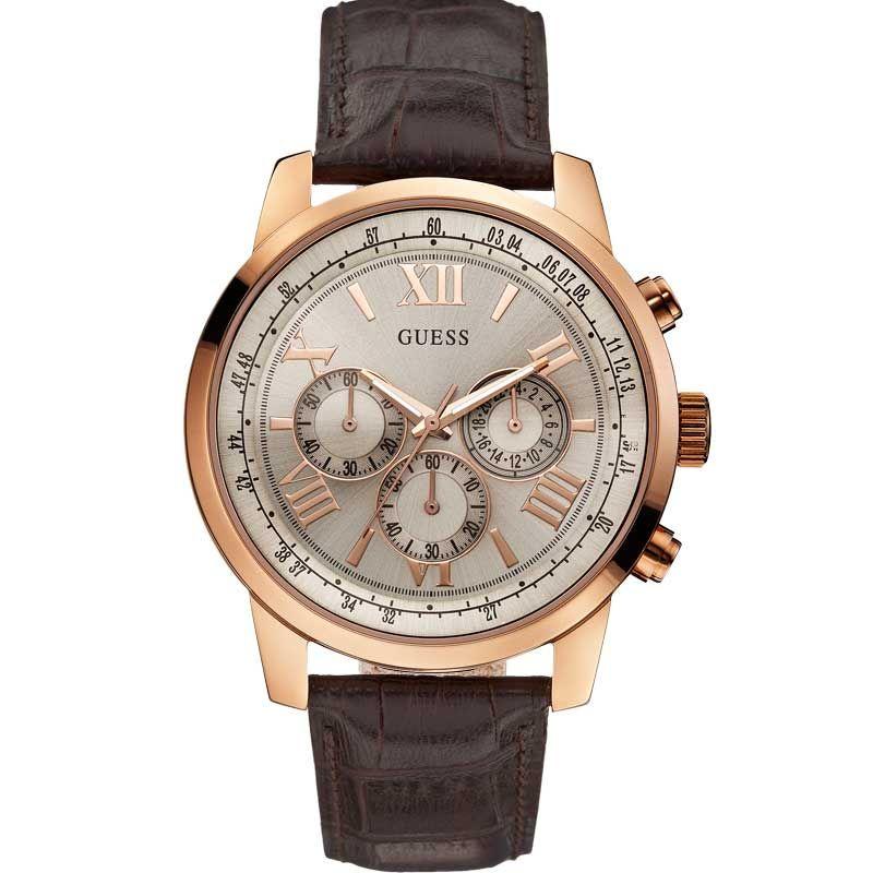 Mặt số to bản 44mm giúp chiếc đồng hồ trở nên nam tính, khỏe khoắn hơn