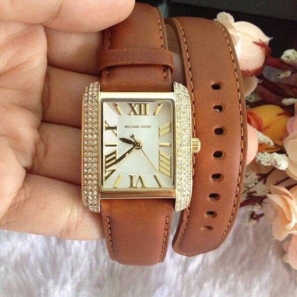 Cận cảnh chiếc đồng hồ Michael Kors nữ MK2360