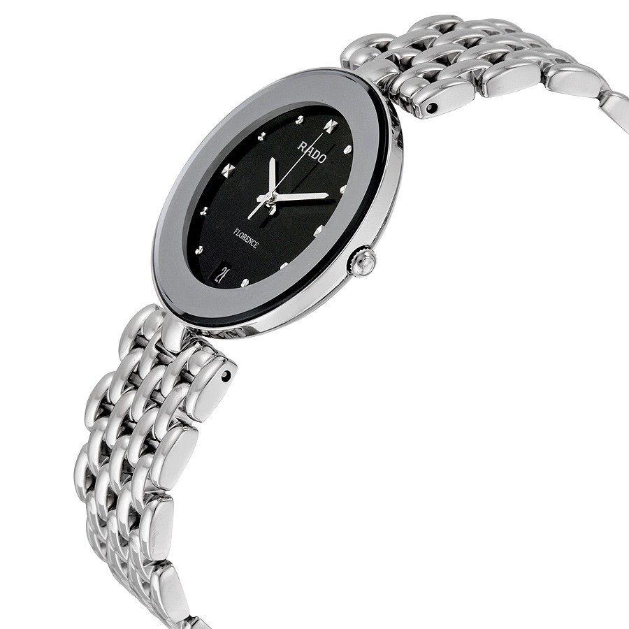 Case của chiếc đồng hồ Rado nữ khá mỏng tạo vẻ ngoài tinh tế