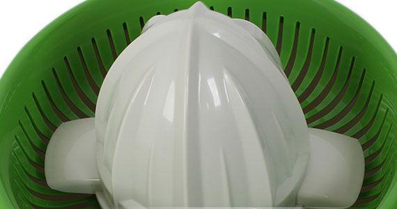 Sử dụng dễ dàng, tiện lợi để vắt nước cam, chanh với 2 đầu vắt riêng