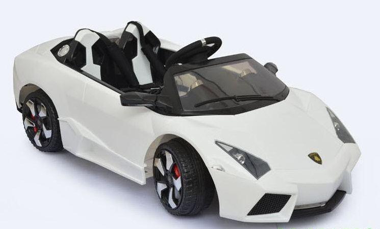 Bánh xe có kích thước lớn, hạn chế xóc nảy và chống trơn trượt hiệu quả