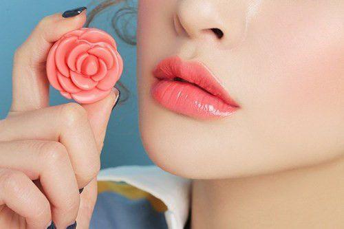 Son dưỡng 3CE hoa hồng thiết kế bông hoa xinh xắn 4