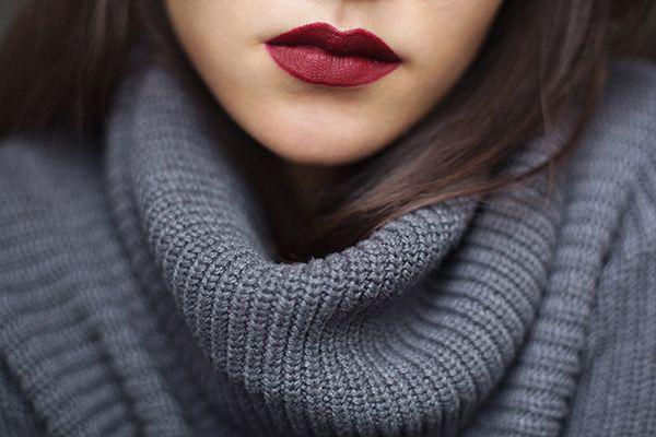 Son Mac màu đỏ mận Mac Diva Matte Lipstick sang trọng 2