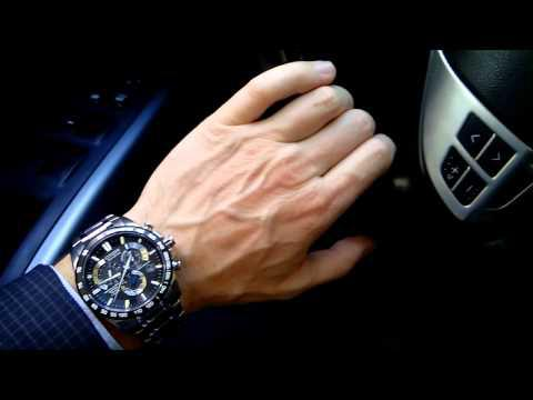 """Chiếc đồng hồ Citizen trên tay nam tính, tôn lên vẻ đẹp đậm chất """"đàn ông"""""""