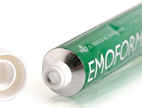 Kem đánh răng Emoform mang lại các tác động tích cực như ngăn chặn tình trạng chảy máu lợi, nhanh chóng ức chế viêm phù nền nướu lợi