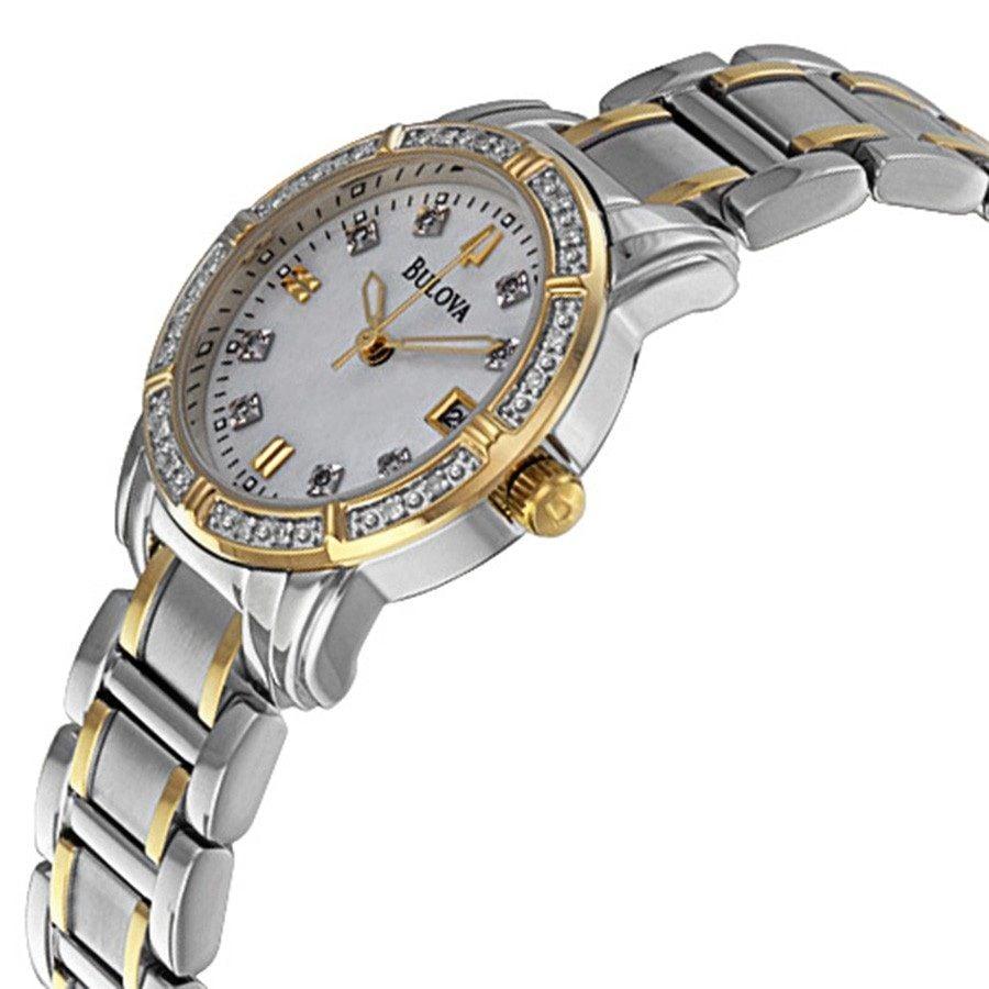 Bezel đính đá tinh xảo, dây đồng hồ demi vàng - bạc sang trọng