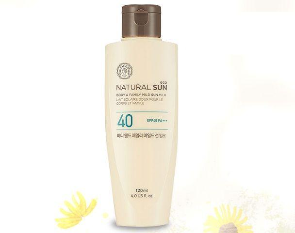 Sữa chống nắng The Face Shop Natural Sun Eco Body Family Mild Sun Milk SPF40 PA+++ giúp bảo vệ làn da cơ thể