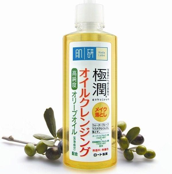 Dầu tẩy trang Hadalabo Cleansing Oil 200ml giúp làm sạch các lớp make-up trên bề mặt da