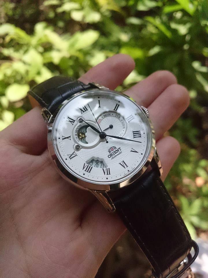 Cận cảnh chiếc đồng hồ Orient Sun And Moon