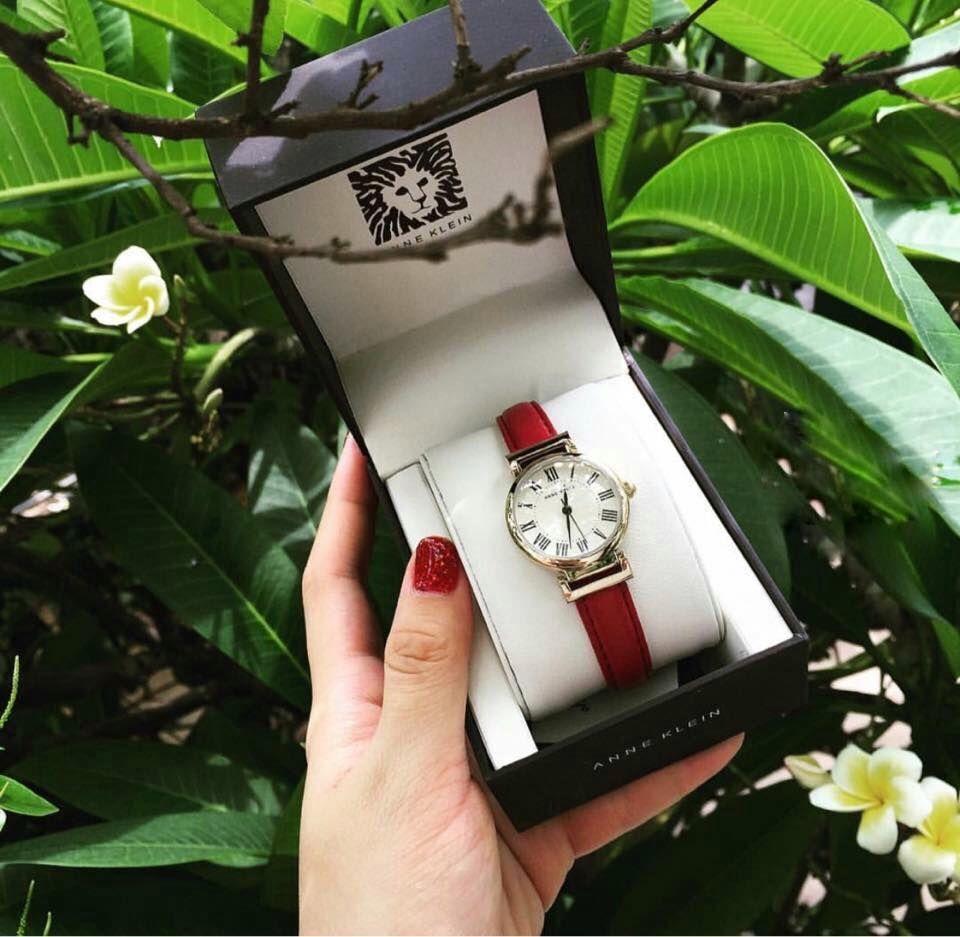 Cận cảnh chiếc đồng hồ Anne Klein chính hãng trẻ trung, thời thượng