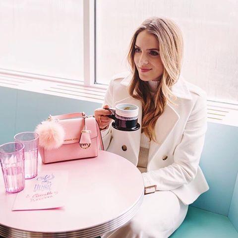Chiếc túi Michael Kors Ava màu pale Pink cực tiểu thư