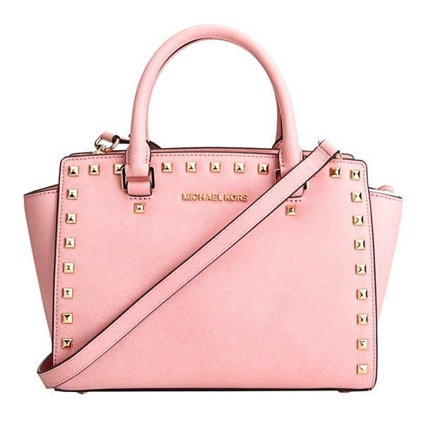 Tông màu hồng Pale Pink nữ tính, thanh lịch chứ không hề bị sến sẩm