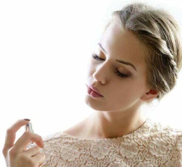 Xịt thơm toàn thân Victoria's Secret mang hương thơm nồng nàn, quyến rũ