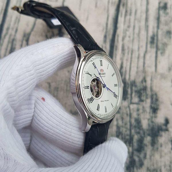 Case đồng hồ mạ bạc dày dặn nam tính