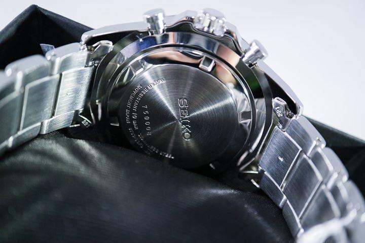 Case đồng hồ chất liệu thép không sỉ cao cấp được mạ bạc sáng bóng
