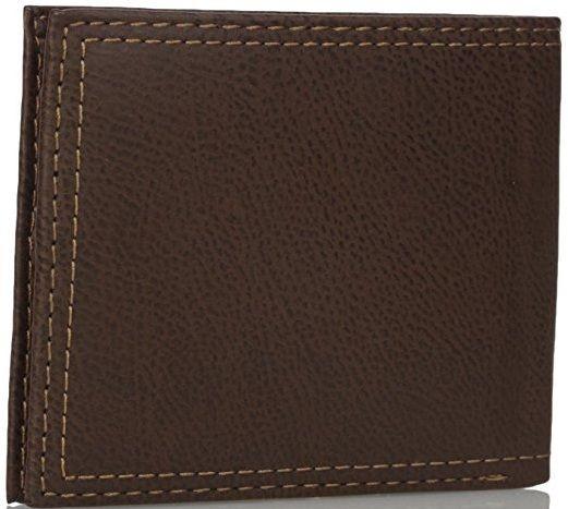 Chất liệu da cao cấp cùng các chi tiết được trau chuốt tỉ mỉ giúp chiếc ví trở nên sang trọng hơn