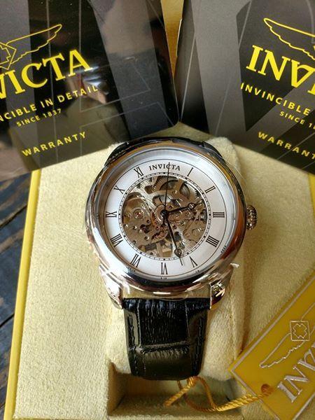 Cận cảnh chiếc đồng hồ Invicta 23533