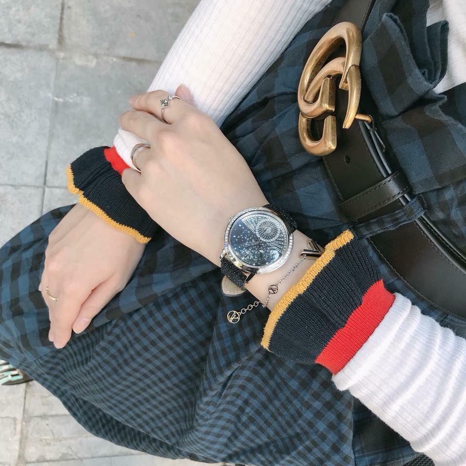 Đồng hồ Guess W1005L1 viền đá swarovski, dây nhũ 5