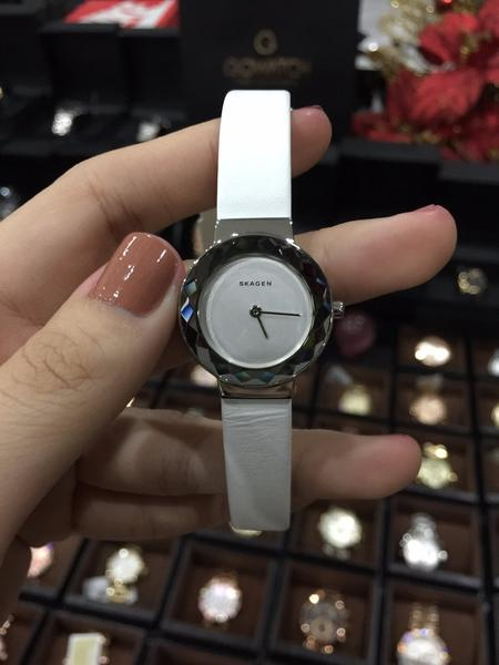 Đồng hồ Skagen SKW2424 dây da thanh lịch, trẻ trung 1