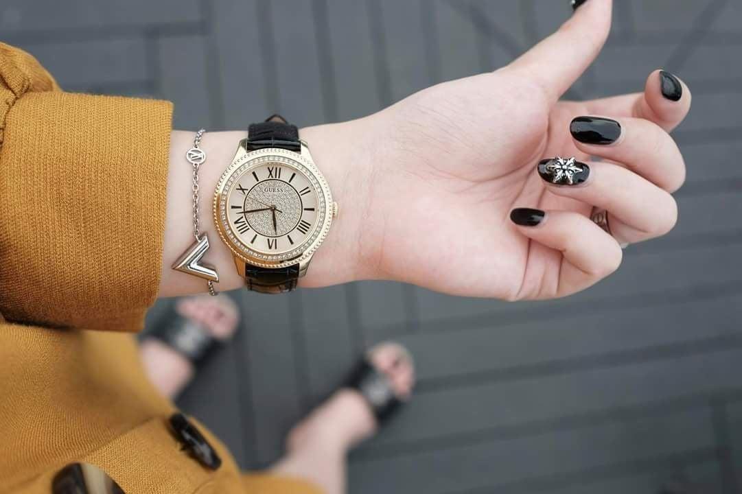 Đồng hồ Guess U0840L1 dây da đen thanh lịch 3