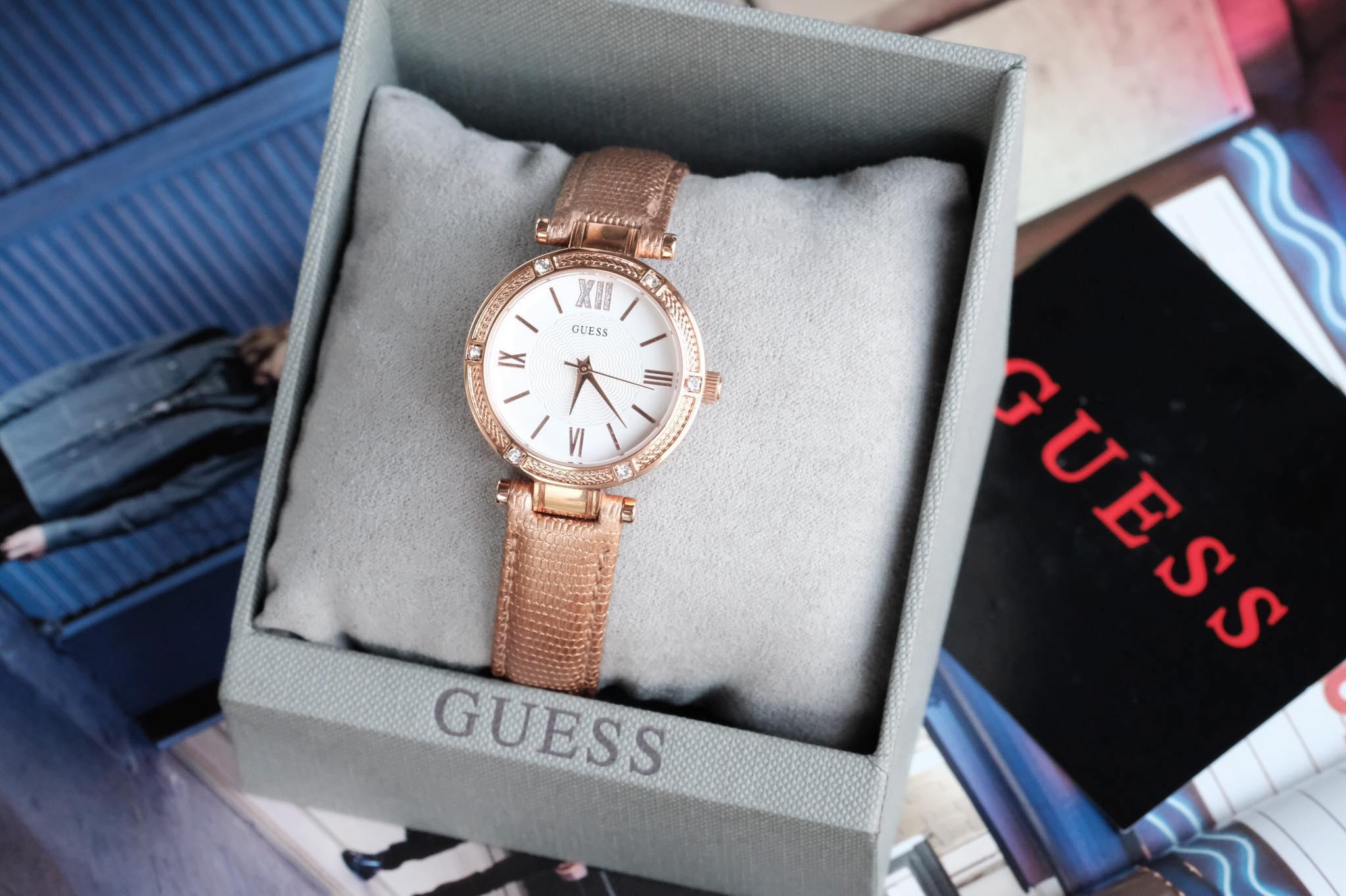 Đồng hồ Guess Park Ave South W0838L6 cho nữ 1