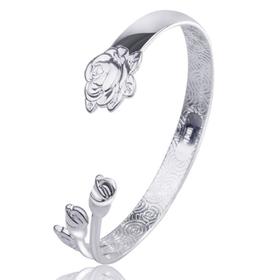 Vòng tay hoa hồng