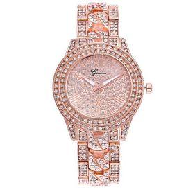 Đồng hồ nữ đính đá thời trang màu vàng hồng nữ tính
